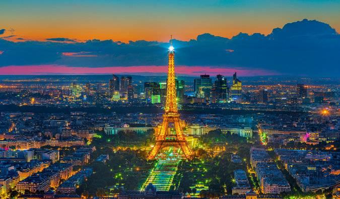 Travel Cheap in Paris